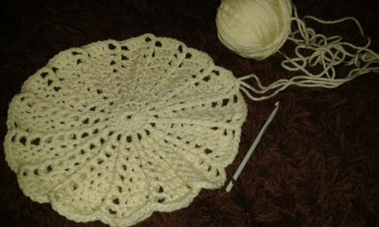 Spiral Pattern Hat - sample crocheted with double knitting wool to see how it works.